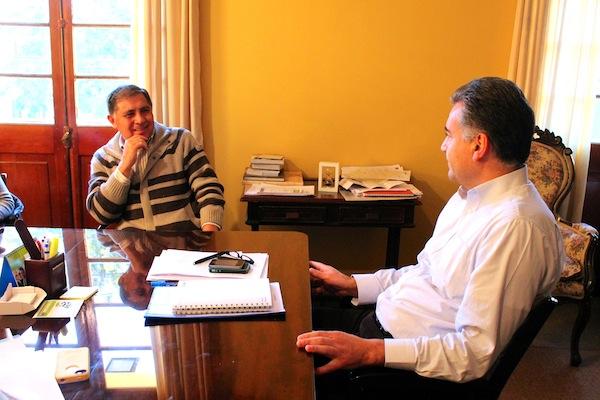 <!--:es-->Kinesiólogo Fernando Zamorano se reúne con alcalde Jaime González<!--:-->