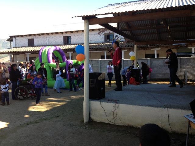 <!--:es-->Alcalde se reúne con niños y vecinos de Millahue en visita a terreno<!--:-->