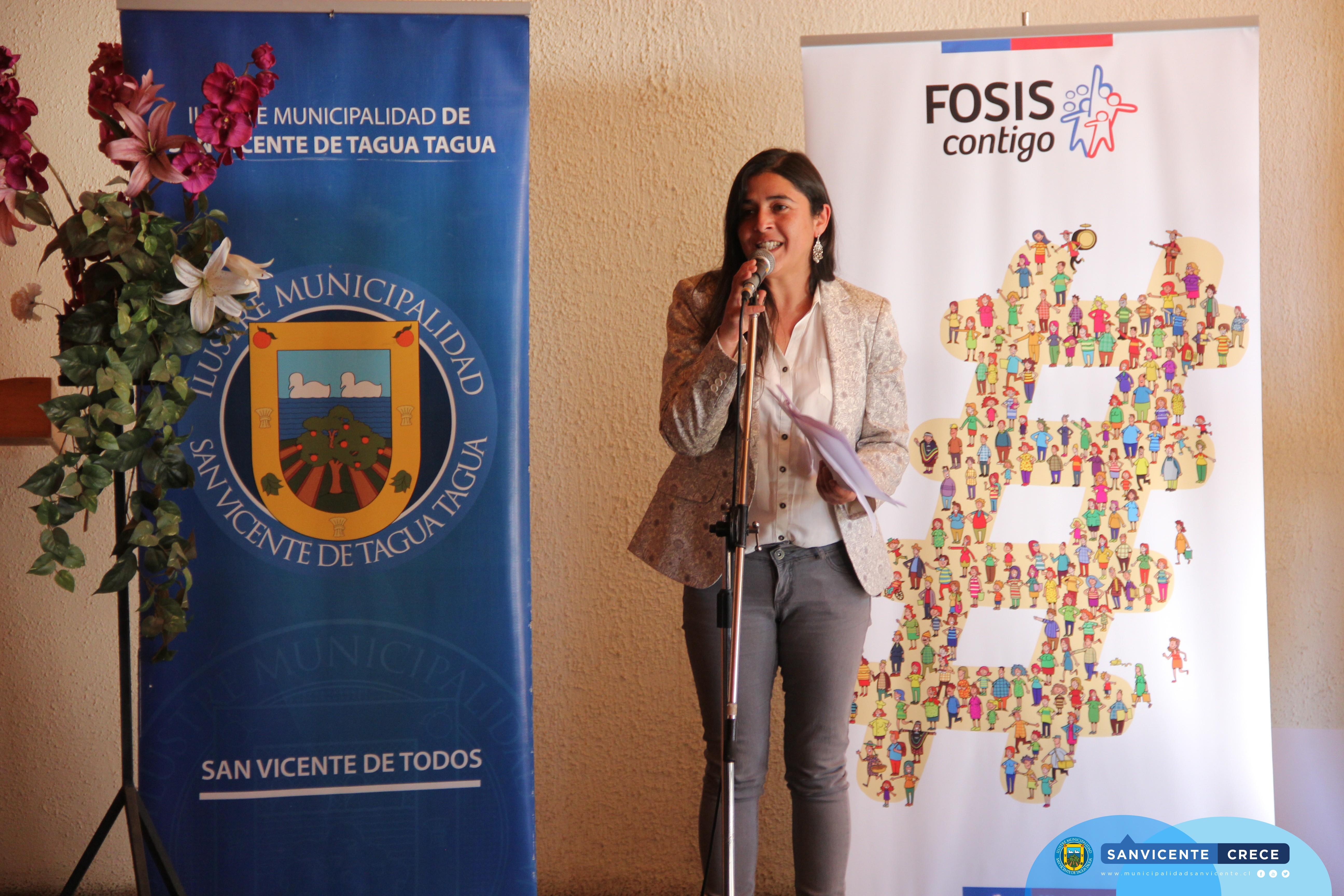 FOSIS ENTREGA RECURSOS A ARTESANOS DE SAN VICENTE DE TAGUA TAGUA