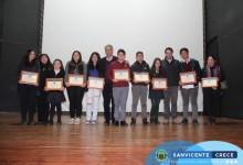 ALCALDE REALIZÓ ENTREGA DE BECAS MUNICIPALES A ESTUDIANTES DE LA COMUNA