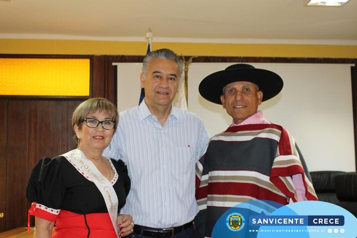 CAMPEONES COMUNALES DE CUECA ADULTO MAYOR REPRESENTAN A SAN VICENTE EN EL REGIONAL