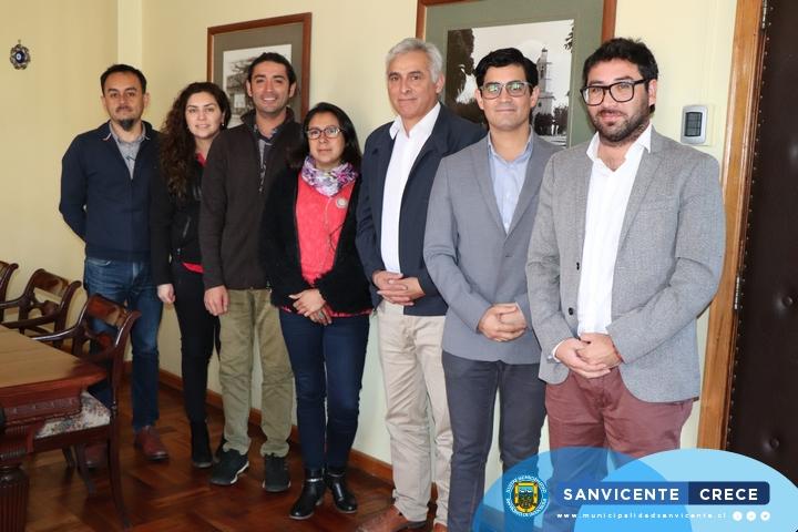 EL ADMINISTRADOR MUNICIPAL PABLO SILVA SE REUNE CON PROFESIONALES DEL INE
