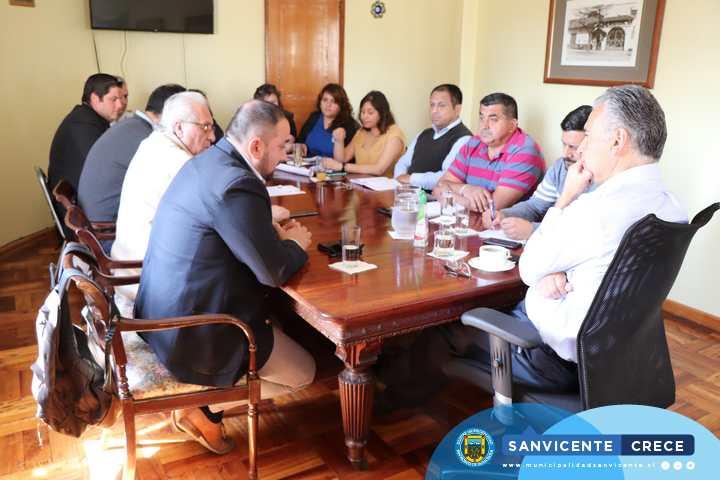 ALCALDE JAIME GONZÁLEZ RECIBE A DIRECTOR REGIONAL DE SERCOTEC POR LANZAMIENTO DEL BARRIO ESTACIÓN
