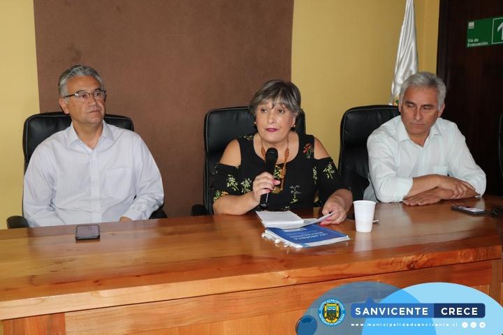 ALCALDE JAIME GONZÁLEZ PRESIDE NUEVA SESIÓN DEL COSOC